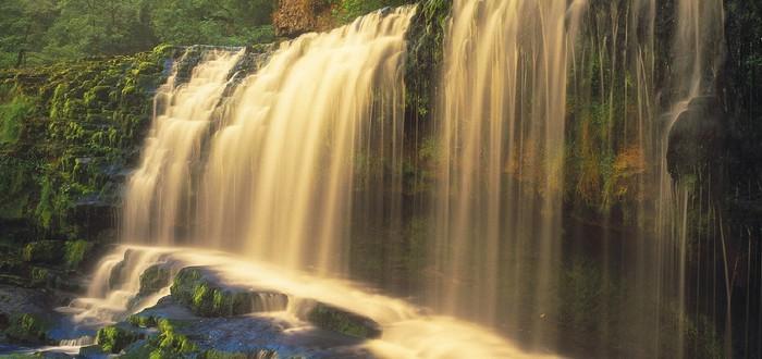 Энтузиаст завел твиттер про видеоигровые водопады и их секреты