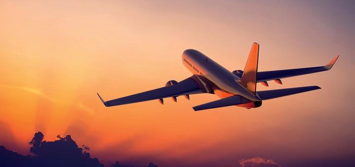 Коронавирус: Пилот экстренно посадил самолет после того, как в салоне чихнул пассажир