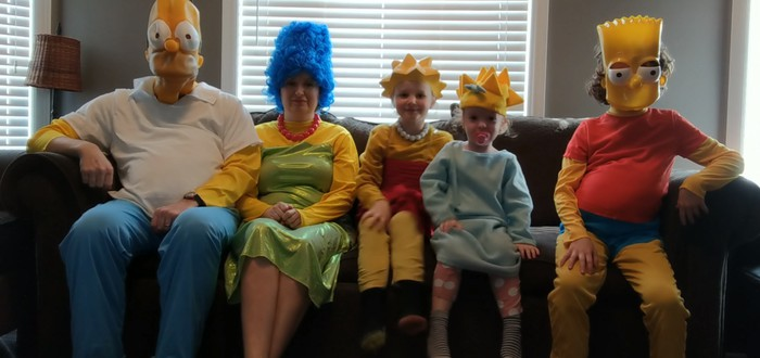 """Семья перенесла вступление из """"Симпсонов"""" в реальный мир"""