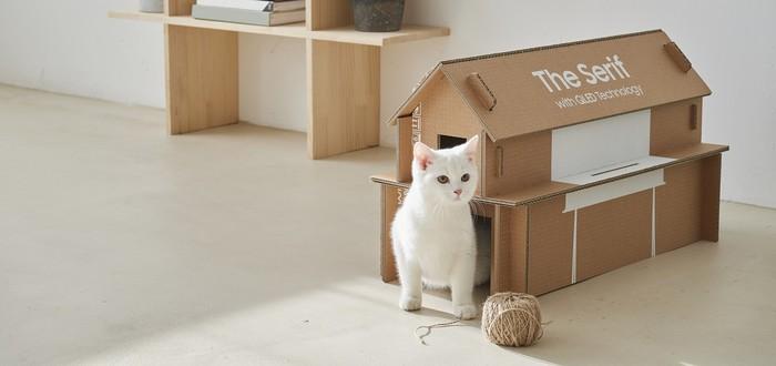 Из коробок от телевизоров Samsung теперь можно собрать дом для кошки или мебель