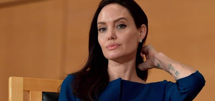 """Слух: Анджелина Джоли будет антагонистом в сиквеле """"Яркости"""""""