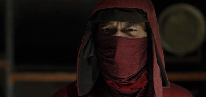 """Никому нет дела до азиатов — актер из """"Сорвиголовы"""" обвинил бывшего главу Marvel TV в расизме"""