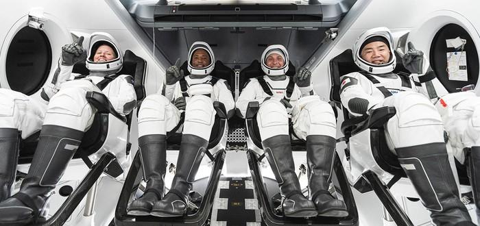Прямой эфир с запуска миссии SpaceX Crew Dragon — на борту 4 астронавта