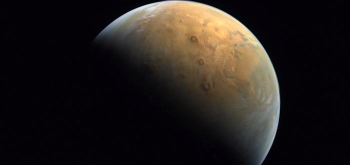 """Арабский спутник """"Надежда"""" сделал свое первое фото Марса"""