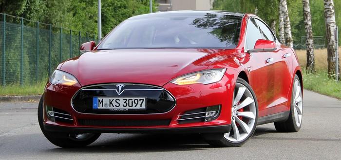 Tesla признали виновной в снижении емкости аккумулятора в старых электромобилях