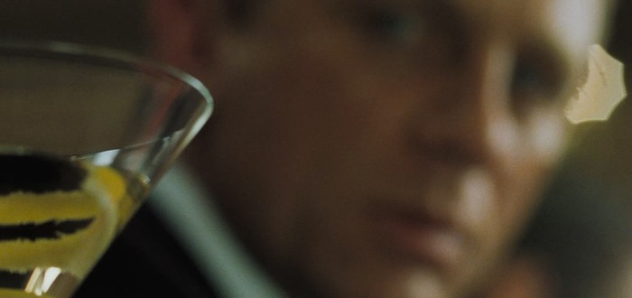Джеймс Бонд и слишком много алкоголя