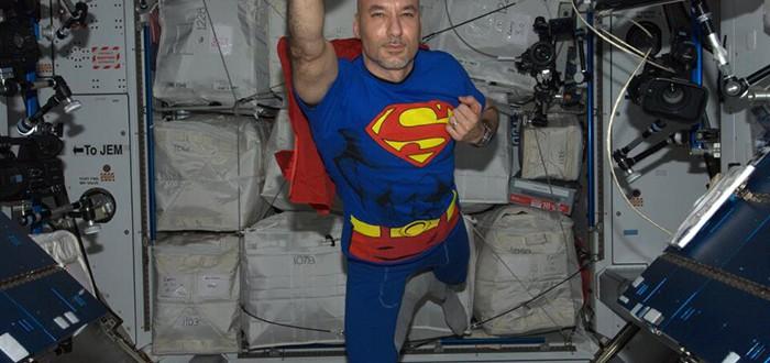 Супермен на МКС
