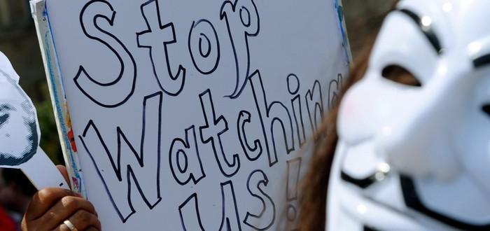 Microsoft выступает против государственной слежки и обещает защищать данные пользователей