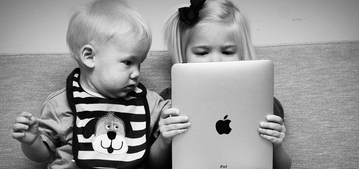 "Apple заплатит $32 миллиона за ""детские покупки"""