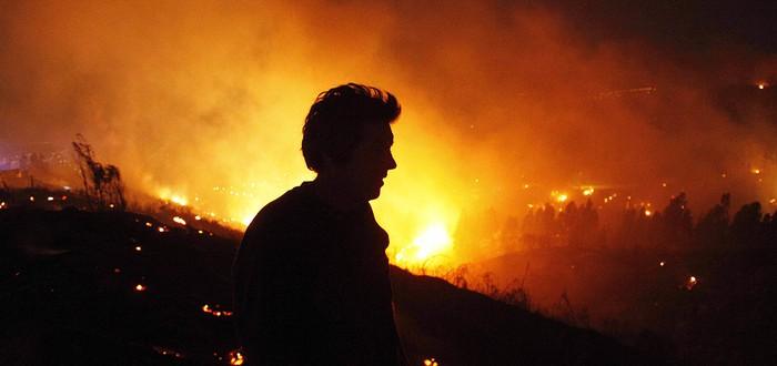 Последствия массивного пожара – видео с парящего дрона