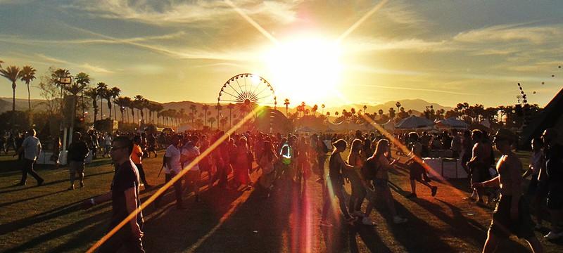 Прямой эфир с Coachella 2015 все выходные