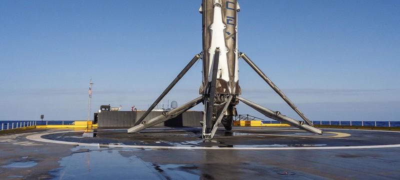 Видео второй посадки ракеты SpaceX на баржу