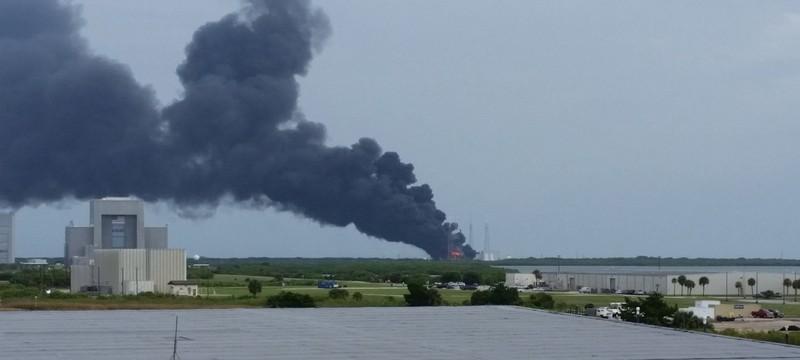 Владельцы спутника, уничтоженного при взрыве Falcon 9, требуют $50 миллионов от SpaceX