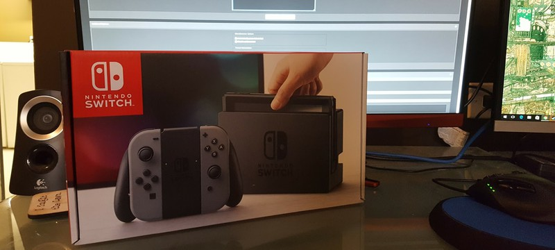Распаковка консоли Nintendo Switch
