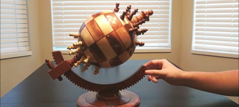 Умелец создал реальные сферические шахматы
