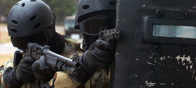 """Арестованный за """"сваттинг"""" обвиняется в непредумышленном убийстве"""
