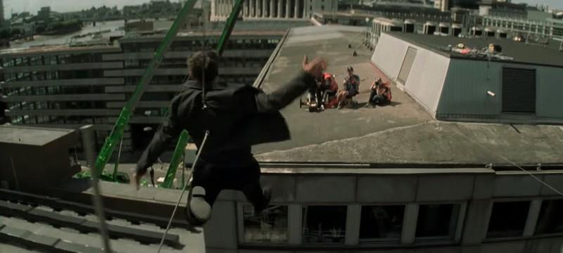 """Том Круз показал сцену новой """"Миссия невыполнима"""", где он сломал ногу"""
