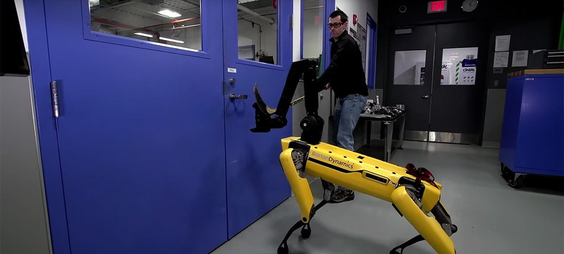 Человек оказался сильнее робота-собаки в новом видео Boston Dynamics