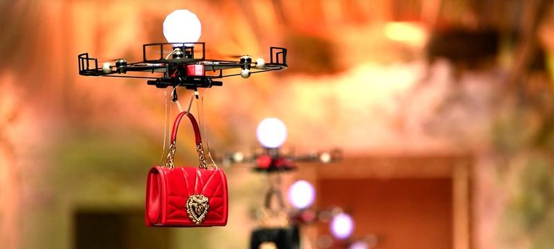 Дроны заменили моделей на неделе моды в Милане