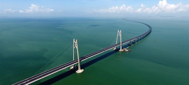 Китай открывает самый длинный в мире морской мост