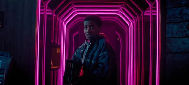 Злой парень Джеймс Франко в первом трейлере sci-fi триллера KIN