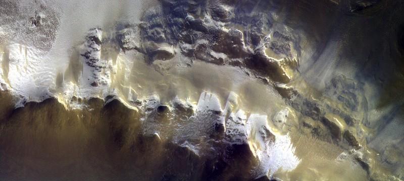 Фото Марса с высоты 400 километров