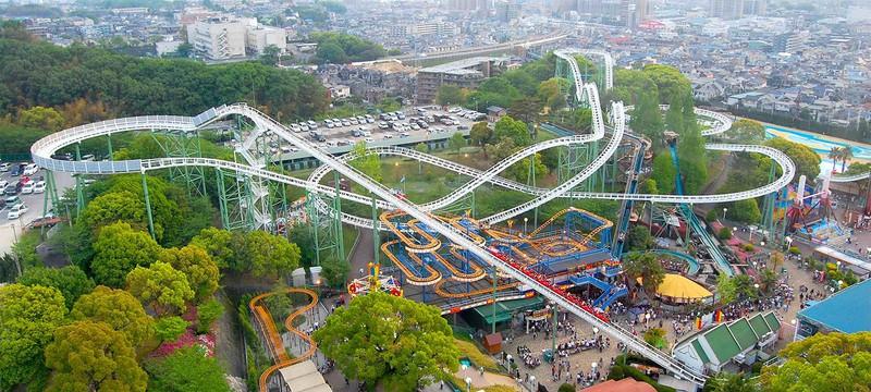 Японский парк развлечений предлагает фальшивых друзей для фото