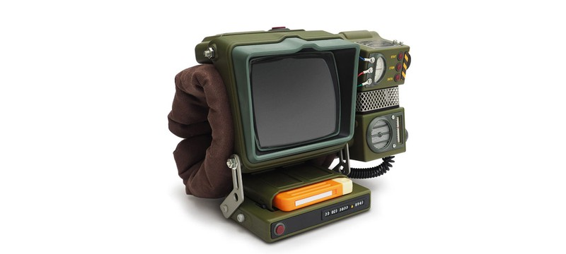 Процесс сборки настоящего Pip-Boy 2000 из Fallout 76