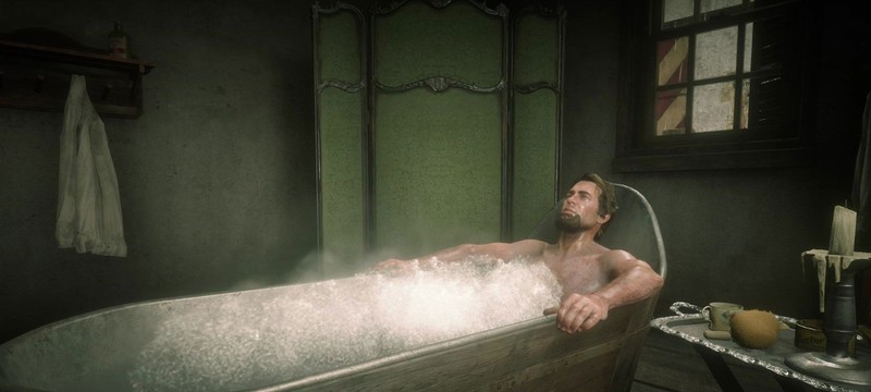 Протагониста Red Dead Redemption 2 раздели при помощи ванны и молотова