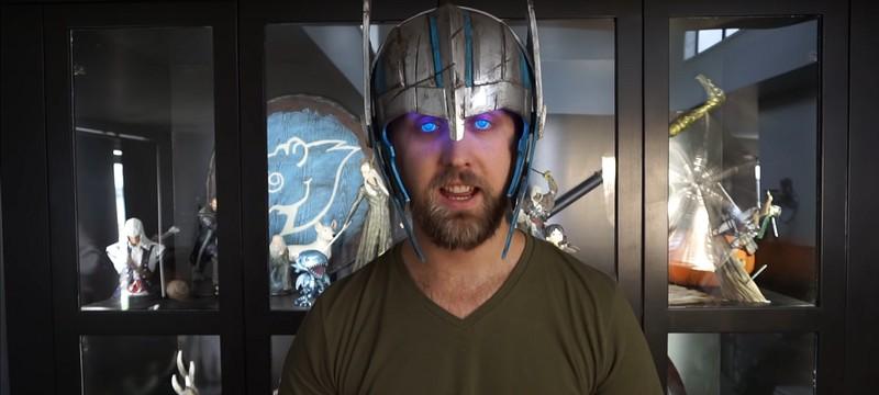 Благодаря шлему и контактным линзам косплеер добился свечения глаз, как у Тора