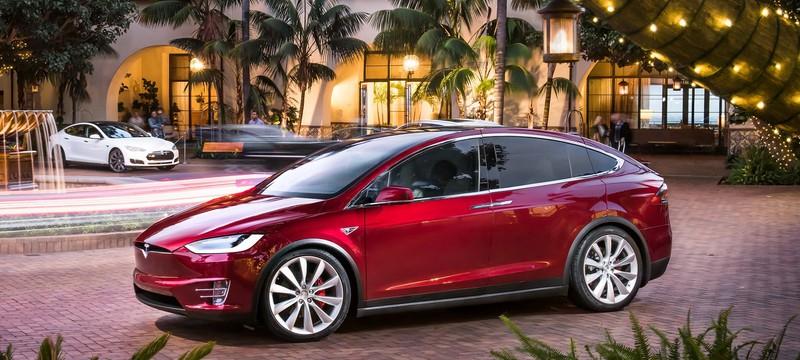 Бывший инженер Tesla подала на компанию в суд за клевету