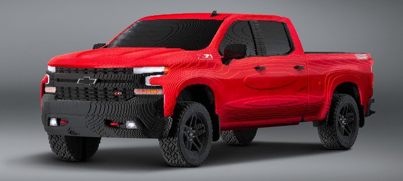 Chevrolet собрала полноразмерную версию своего пикапа из LEGO