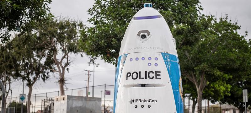 Бесполезный робот-полицейский даже не смог вызвать помощь при необходимости