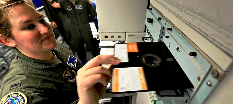 Американские военные перестанут использовать дискеты на объектах с ядерным оружием