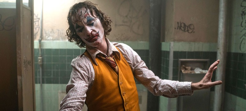 """СМИ: """"Джокер"""" стал самым кассовым фильмом с рейтингом R"""