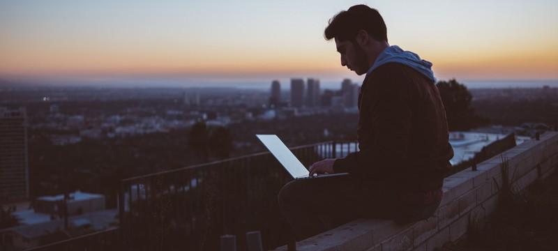 Профессор из Британии утверждает, что доступ в Интернет должен быть правом каждого человека