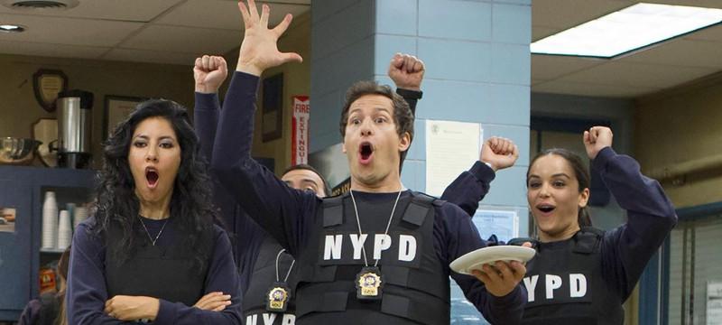 """NBC продлил """"Бруклин 9-9"""" на восьмой сезон"""