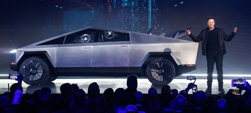 Как интернет отреагировал на футуристичный пикап Tesla
