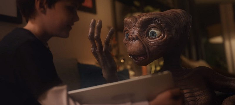 """Comcast сняла рекламу с продолжением сюжета фильма """"Инопланетянин"""""""