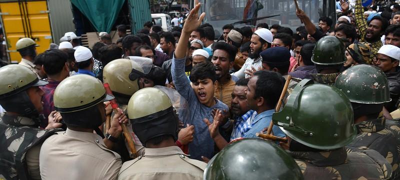Власти Индии приказали отключить интернет в связи с массовыми протестами населения