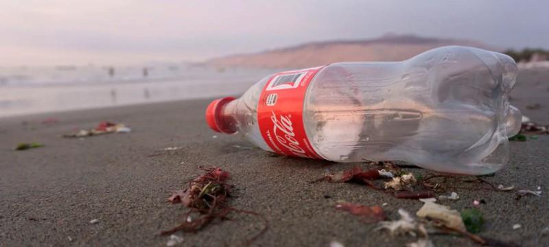Бизнес не будет бизнесом — Coca-Cola не планирует отказываться от пластиковых бутылок