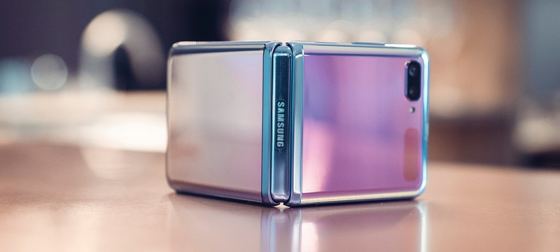 Видео: В сборке Galaxy Z Flip почти не участвуют люди
