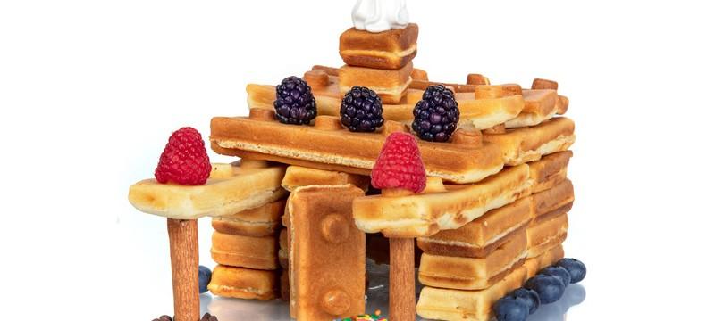 Эта вафельница делает завтрак, похожий на блоки Lego