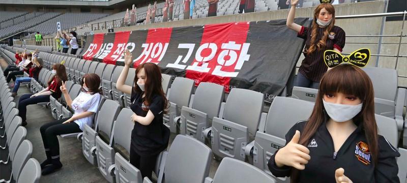 Футбольный клуб Сеул извинился за размещение секс-кукол на трибунах