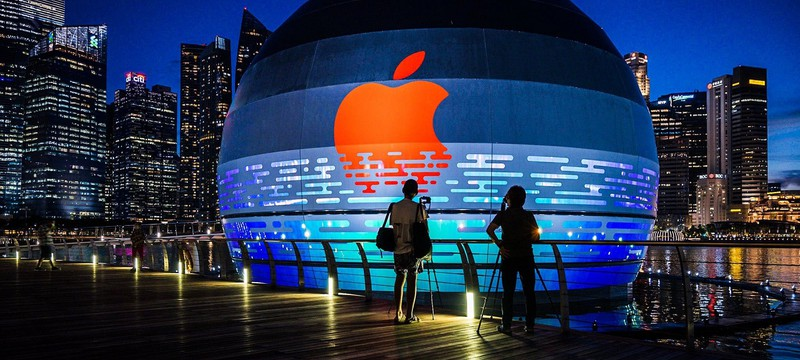 Apple откроет свой первый плавучий магазин в Сингапуре