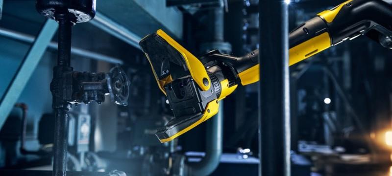 Робот-пес Spot от Boston Dynamics рисует мелом и собирает мусор в новом видео
