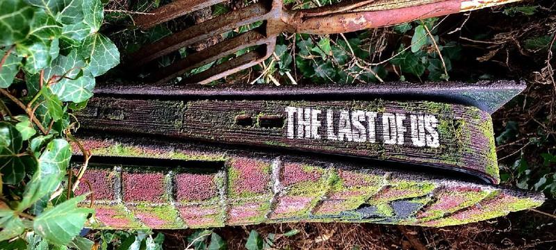 Эта кастомная PS5 в стиле The Last of Us выглядит так, словно пережила апокалипсис