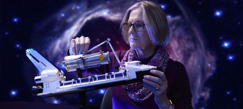 """LEGO выпустит набор с шаттлом """"Дискавери"""" и телескопом """"Хаббл"""""""