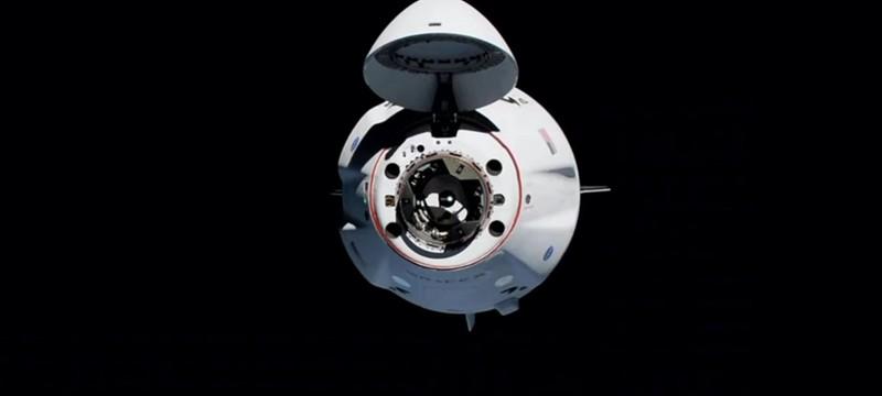 SpaceX успешно запустила на МКС многоразовый корабль с людьми
