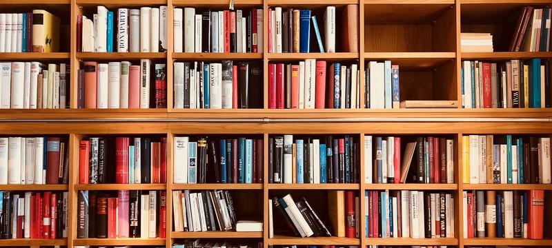 Исследование: Печатные книги обгоняют по продажам электронные
